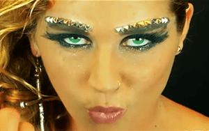 pop star eyebrows