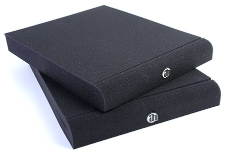 adam hall spadeco2 foam pads on white background