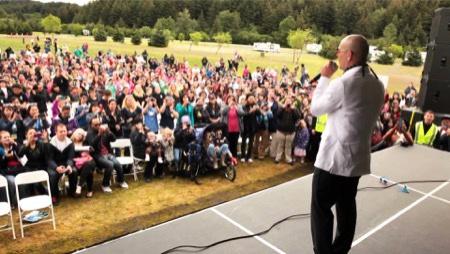 pitbull alaska internet music publicity stunt