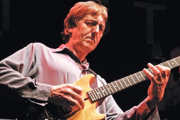 Allan Holdsworth is among the best guitar players, period