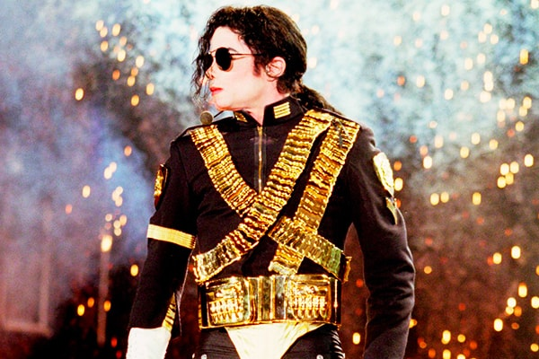 it's hard to believe michael jackson is only number 3 on the list of the best selling artists