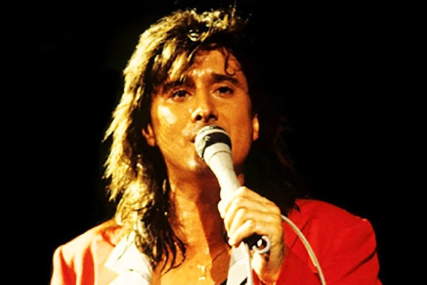 Steve Perry is the lead singer of Journey and easily one of the best singers ever