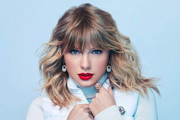 taylor swift quickly became one of the best-selling artists of all time