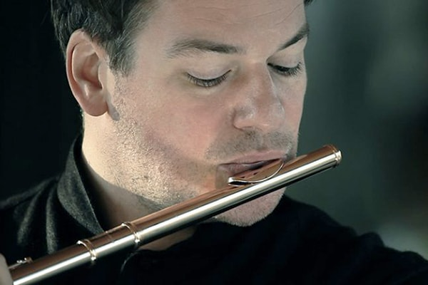 Emmanuel Pahud is one of the best flutists of all time. He focuses on classical and baroque styles.