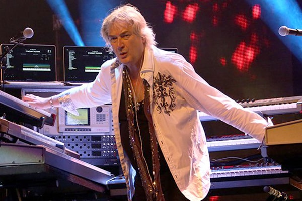 Geoff Downes is another keyboard alumni of the band Yes, Asia, and The Buggles.