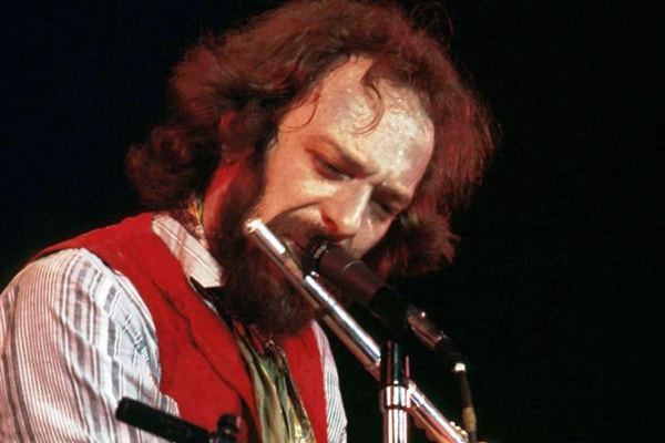 Ian Andersan is known for being the vocalist and rock music flute player in the band Jethro Tull.