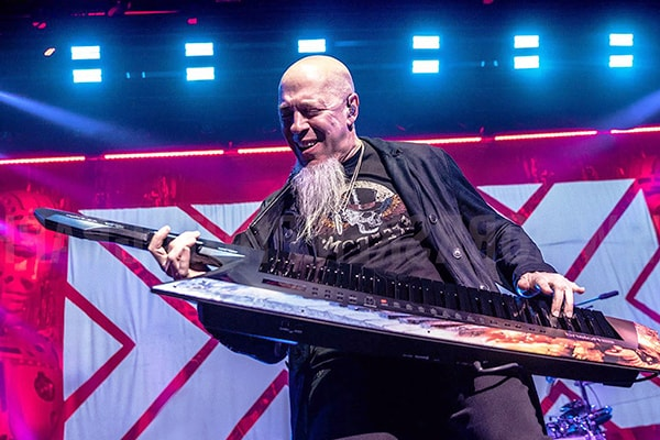 Jordan Rudess is one of the best keyboardists in the world, known for his progressive rock work with Dream Theater.