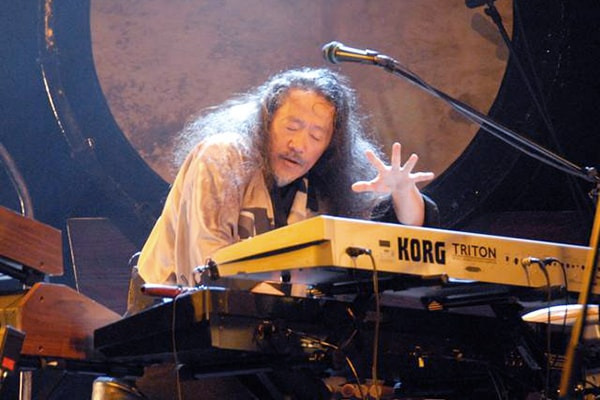 Kitaro is like Vangelis, working in the New Age music genre as one of the best keyboard players in the industry.