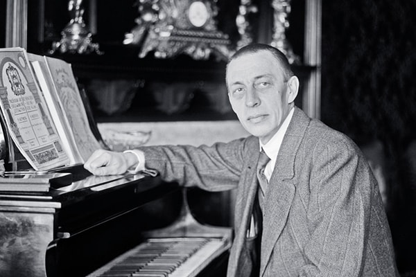 Sergei Rachmaninoff is one of the best pianists to ever perform, loved for his rhythmic technique.